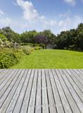 Gartenanlage mit Terrasse