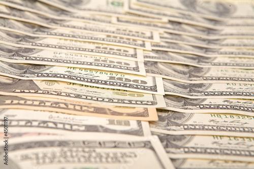100 dollars banknotes