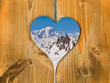 Fototapety Mont-Blanc, coeur en bois