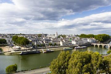 Castello, giardini e panorama - Angers, Francia