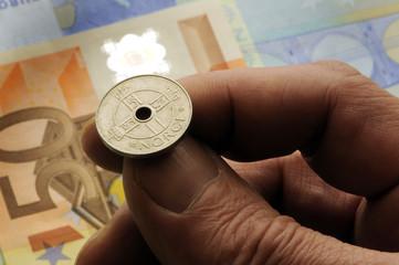 Coin flipping Cara o cruz Münzwurf  Mynt og kron  擲硬幣