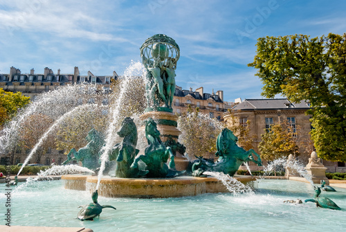 Aluminium Fontaine Fountain of the Observatory, Luxembourg Gardens, Paris (1)