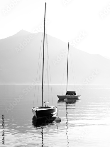 The yachts on alpine lake in Austria. - 45066997