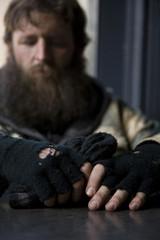 USA, Utah, Salt Lake City, Man in winter clothing, focus on hands in foreground