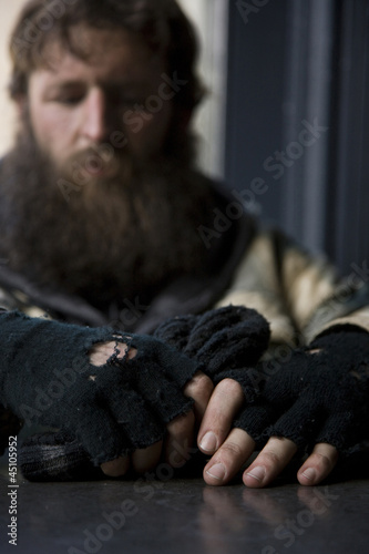 USA, Utah, Salt Lake City, Man in winter clothing, focus on hands in foreground