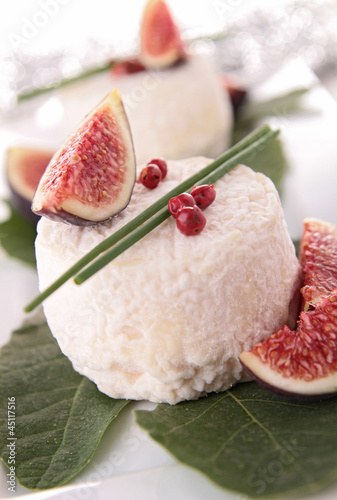 cheese an fig