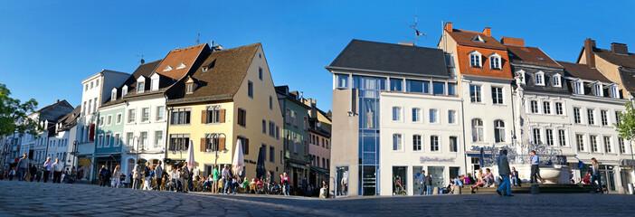 Saarbrücken St. Johanner Markt mit Brunnen Panorama