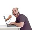 Devant l'écran d'ordinateur