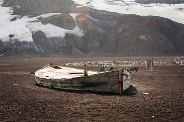 Old boat on Deception island