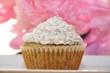 Zitronen Mohn Cupcake mit Pfingstrosen