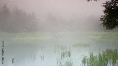 uplyw-czasu-od-qixingshan-dream-lake-chmury-taiwa
