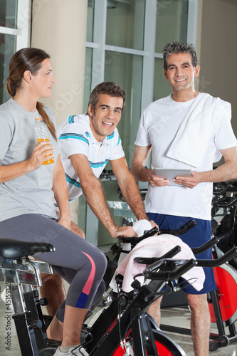 Happy Friends In Health Club
