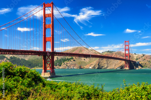 Fotobehang San Francisco Golden gate bridge vivid day landscape, San Francisco