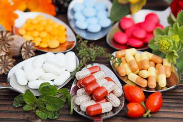 Tabletten, Pillen, Kapseln, Natur