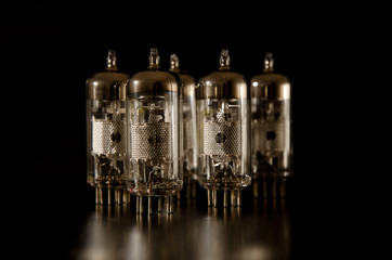 Electronic radio tubes