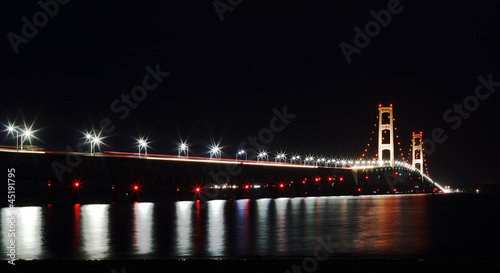 Foto op Aluminium Grote meren Mackinac Bridge at Night