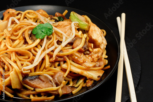 Juliste chicken chow mein