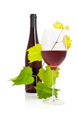 Wein - 001 - Rotwein - Glas - Blätter