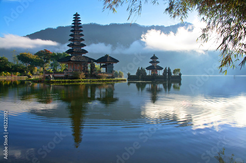 Foto op Plexiglas Indonesië Peaceful view of a Lake at Bali Indonesia