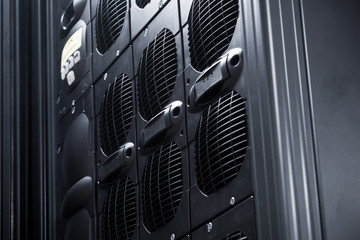 UPS Array in a data center