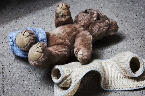 Leinwanddruck Bild stripped teddy
