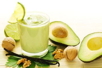 Avocado-Vanille Smoothie