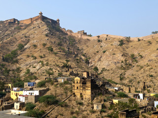 Jaigarh Fort and the local house