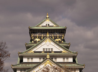 Osaka Castle before rain.