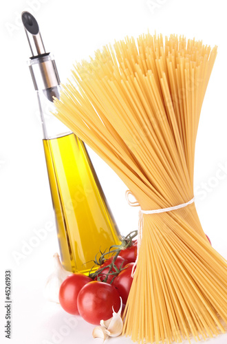spaghetti and olive oil