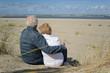 Seniorenpaar am Nordseestrand