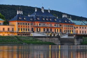 Schloss Pillnitz zur blauen Stunde