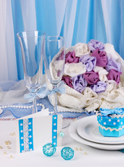 Serving fabulous wedding table in blue color
