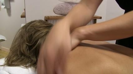 lmassage des épaules