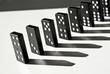 Dominosteine in Reihe