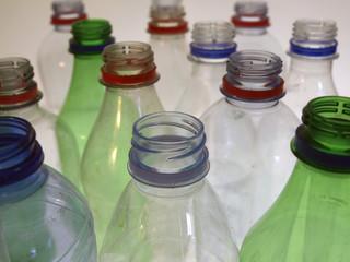 leer plastikflaschen19