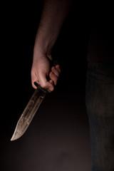 Mann mit großem Messer - Verbrecher