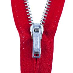 gros plan sur une tirette rouge isolée