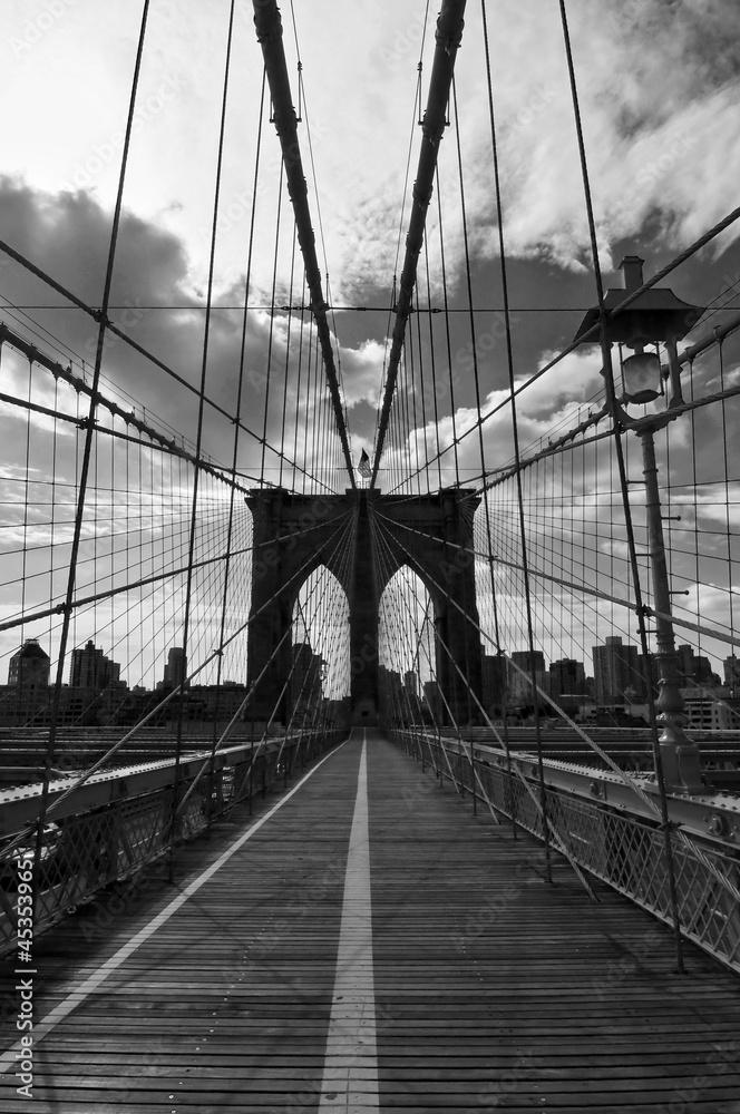 cr dence de cuisine en verre imprim pont de brooklyn noir et blanc new york nikkel. Black Bedroom Furniture Sets. Home Design Ideas