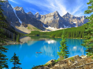 Vivid hues of Lake Moraine at Banff National Park, Canada
