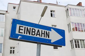 Schild Einbahn in Wien