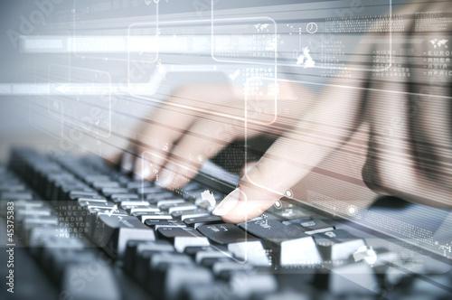 Leinwanddruck Bild Computer keyboard and social media images