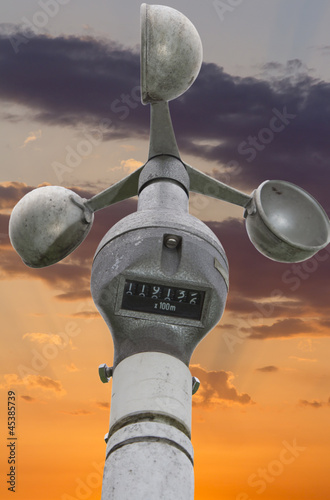 Anemometer-wind speedometer for meteorology