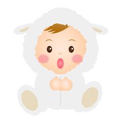 羊の着ぐるみを着た赤ちゃん
