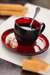 Kawa z ciastkiem włoskim