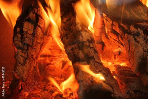 flackerndes Kaminfeuer