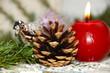 Zapfen und Kerze