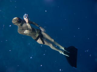 How to take freediving pictures