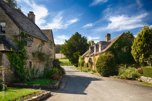 Foto op Aluminium Oude gebouw Old cotswold stone houses in Icomb