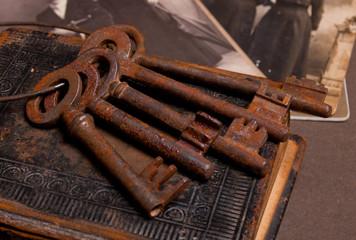 Antique rustic key set