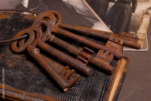 Antique rustic key set